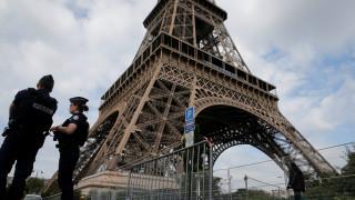 Παρίσι: Συνελήφθη στον Πύργο του Άιφελ άνδρας που κρατούσε μαχαίρι