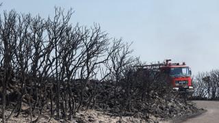 Στάχτη έχει γίνει το 1/3 των Κυθήρων-Μαίνεται για τρίτη μέρα η πυρκαγιά (pics)