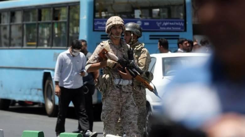 Τεχεράνη: Ιρανός στρατιώτης άνοιξε πυρ κατά συναδέλφων του-Νεκροί και τραυματίες
