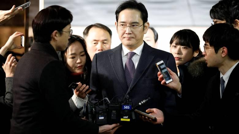 Νότια Κορέα: 12ετή φυλάκιση για τον κληρονόμο της Samsung προτείνουν οι εισαγγελείς