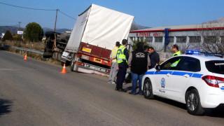 Τροχαίο στην εθνική οδό Αθηνών - Λαμίας: Νεκρός οδηγός νταλίκας