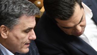 Τσίπρας-Τσακαλώτος: Πώς από εσωκομματικοί αντίπαλοι έφτασαν να ταυτίσουν τις πολιτικές τύχες τους