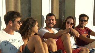 Ένα ταξίδι στον χρόνο: Οι διακοπές στην Ελλάδα πριν το Διαδίκτυο και τα κινητά