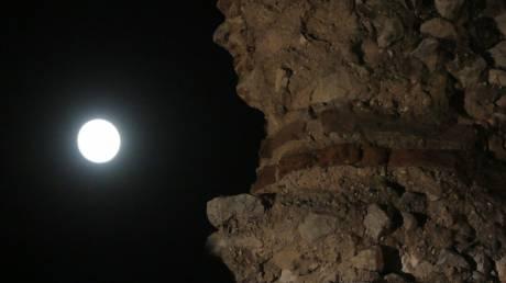 Πανσέληνος: Τα Χανιά γιορτάζουν την έκλειψη σελήνης