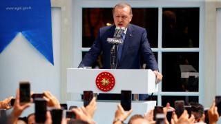 Μαινόμενος ο Ερντογάν κατά της Γερμανίας: «Βοηθά τους τρομοκράτες»