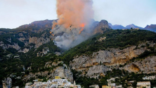 Μαίνονται οι πυρκαγιές στην Ιταλία