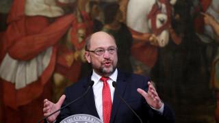 Ο Σουλτς θέλει να παραμείνει στην προεδρία ακόμα κι αν χάσει από τη Μέρκελ