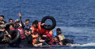 Διακινητής ανάγκασε 50 έφηβους μετανάστες να πέσουν στη θάλασσα και να πνιγούν