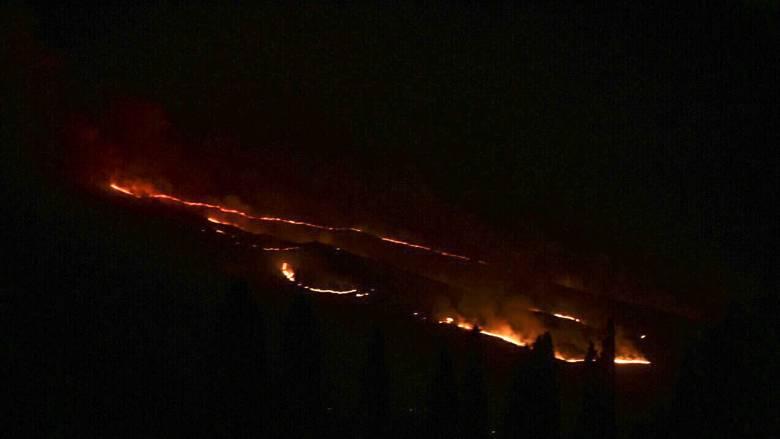 Φωτιά στη Τζιά κοντά σε οικισμό