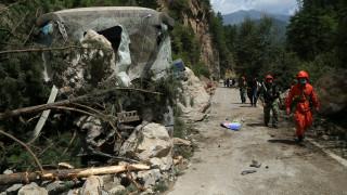 Πολλαπλές κατολισθήσεις μετά τον φονικό σεισμό στην Κίνα