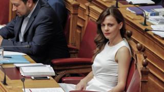 Αχτσιόγλου: Δεν υπάρχουν αναδρομικές επιβαρύνσεις και χαράτσια από το νέο νόμο