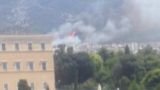 Υπό έλεγχο η φωτιά στην Καισαριανή – Σε επιφυλακή η Πυροσβεστική (pics&vid)