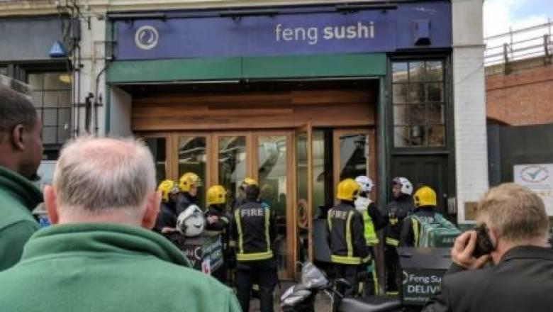 Πανικός σε εστιατόριο στο Λονδίνο από παγιδευμένο φάκελο με χημικές ουσίες (pics)