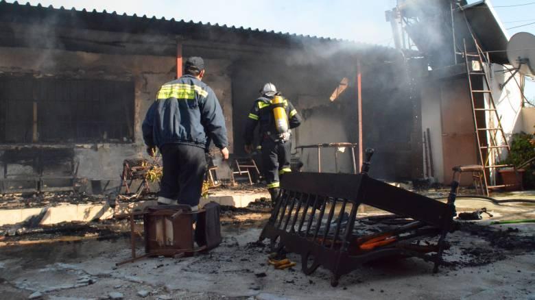 Τραγωδία στη Μυτιλήνη: Δύο αδέλφια νεκρά από πυρκαγιά σε σπίτι