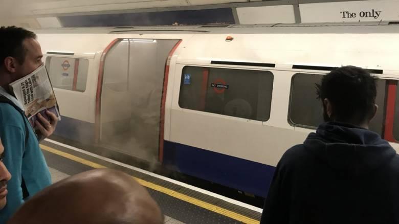 Φωτιά σε σταθμό του μετρό του Λονδίνου, ερευνώνται τα αίτια που την προκάλεσαν