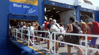 Έξοδος Αυγούστου: Δεν πέφτει καρφίτσα στα λιμάνια – Aυξημένη η κίνηση στους δρόμους