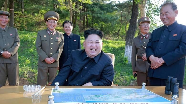 Τα πανηγυρικά... γραμματόσημα της Β.Κορέας για την επιτυχή εκτόξευση διηπειρωτικού πυραύλου