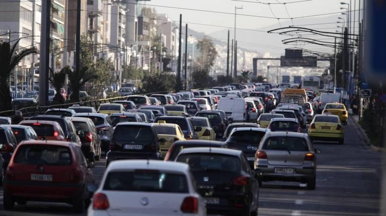Διευκρινήσεις ΑΑΔΕ για τέλη κυκλοφορίας και ακινησία οχημάτων