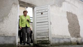 Γιατί η Μέρκελ πήγε στη φυλακή Στάζι (pics)
