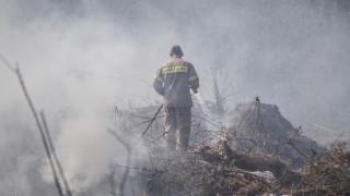Σε ύφεση η πυρκαγιά στο Κορωπί