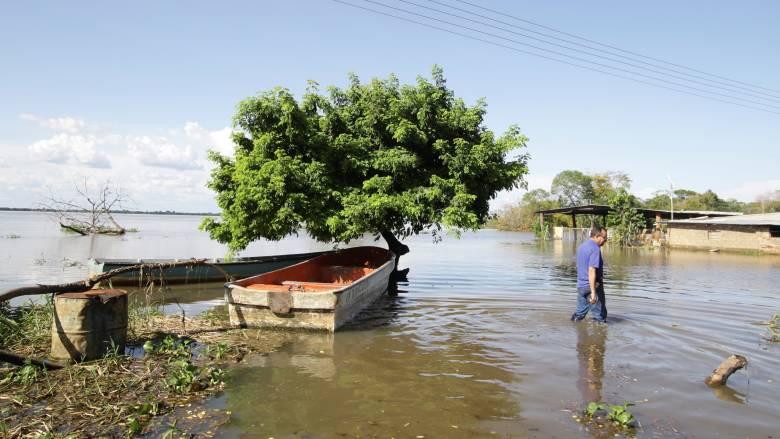 «Φονικές» πλημμύρες στο βορειοανατολικό Ιράν