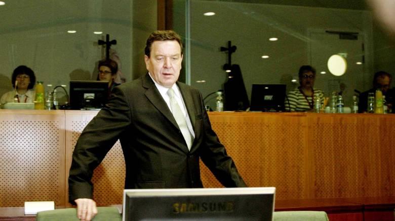 Ένας πρώην καγκελάριος σε κομβική θέση σε γιγάντια ρωσική πετρελαϊκή εταιρεία