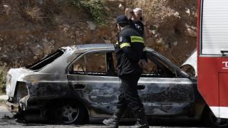 Αυτοκίνητο έπιασε φωτιά... εν κινήσει στην εθνική Κορίνθου-Τριπόλεως (pic&vid)