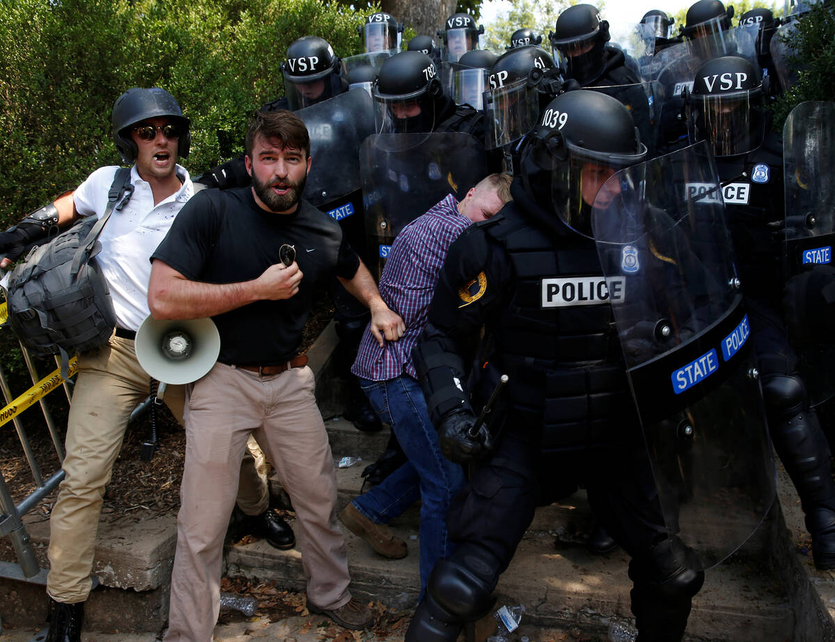 2017 08 12T220415Z 1907379376 RC116F170800 RTRMADP 3 VIRGINIA PROTESTS