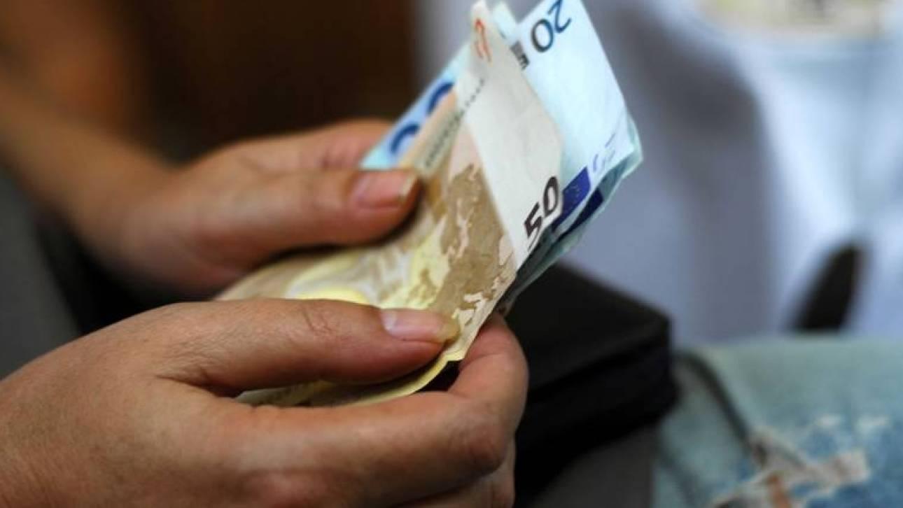 Έλληνες υπάλληλοι δύο ταχυτήτων - Καλύτεροι μισθοί στο Δημόσιο κατά 15% από τον ιδιωτικό τομέα