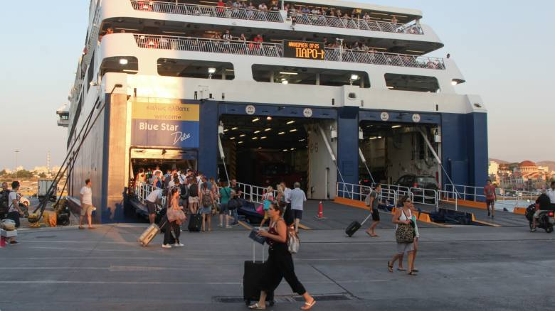 Ο μεγάλος στόχος του υπουργείου Τουρισμού: Οι αφίξεις τουριστών το 2020 να ξεπεράσουν τα 35 εκατ.