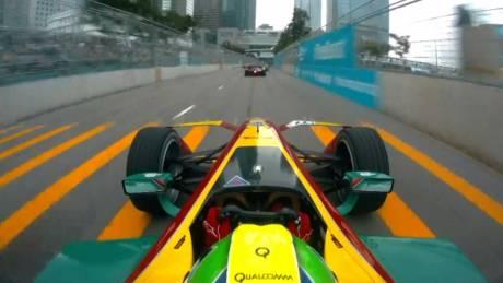 Οι οδηγοί της Formula E μιμούνται το αυτοκίνητό τους
