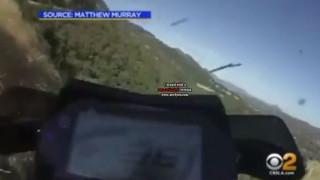 Έχασε τον έλεγχο της μηχανής του και έπεσε από γκρεμό 76 μέτρων (Vid)
