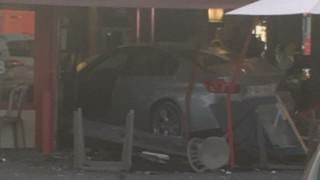 Γαλλία: Αυτοκίνητο εισέβαλε σε πιτσαρία - Νεκρή μία 8χρονη (pics)