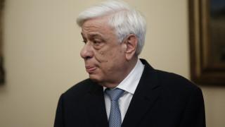 Πρ. Παυλόπουλος: Ευγνώμονες σε όσους δίνουν μεγάλο αγώνα να προφυλάξουν ανθρώπους και δασικό πλούτο
