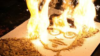 Έργα τέχνης φτιαγμένα από... καπνό (pics)