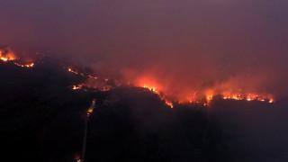 Ολονύχτια μάχη με τις φλόγες κόντρα στις αναζωπυρώσεις στην ανατολική Αττική