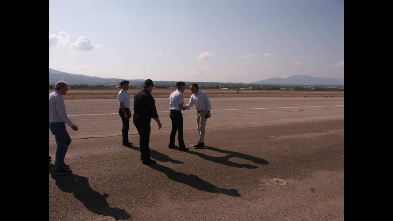 https://cdn.cnngreece.gr/media/news/2017/08/16/93454/photos/snapshot/tsipras-1.jpg