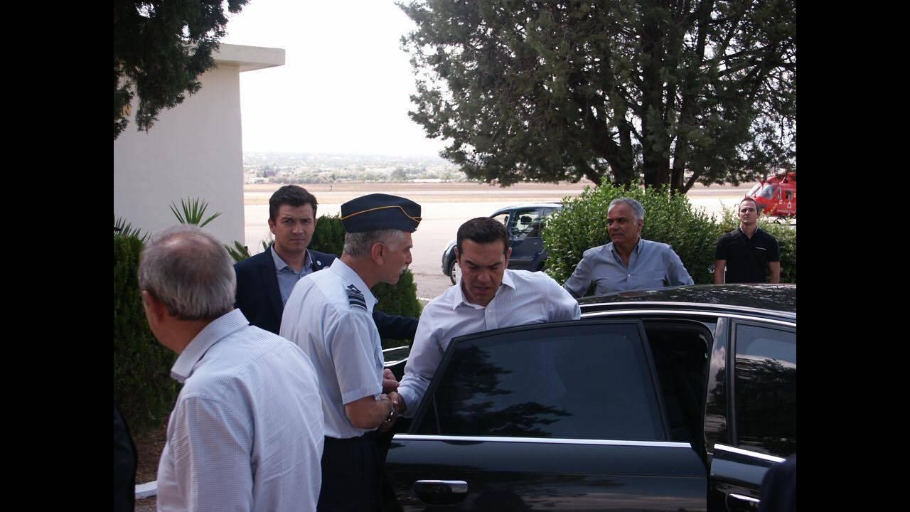https://cdn.cnngreece.gr/media/news/2017/08/16/93454/photos/snapshot/tsipras-13.jpg