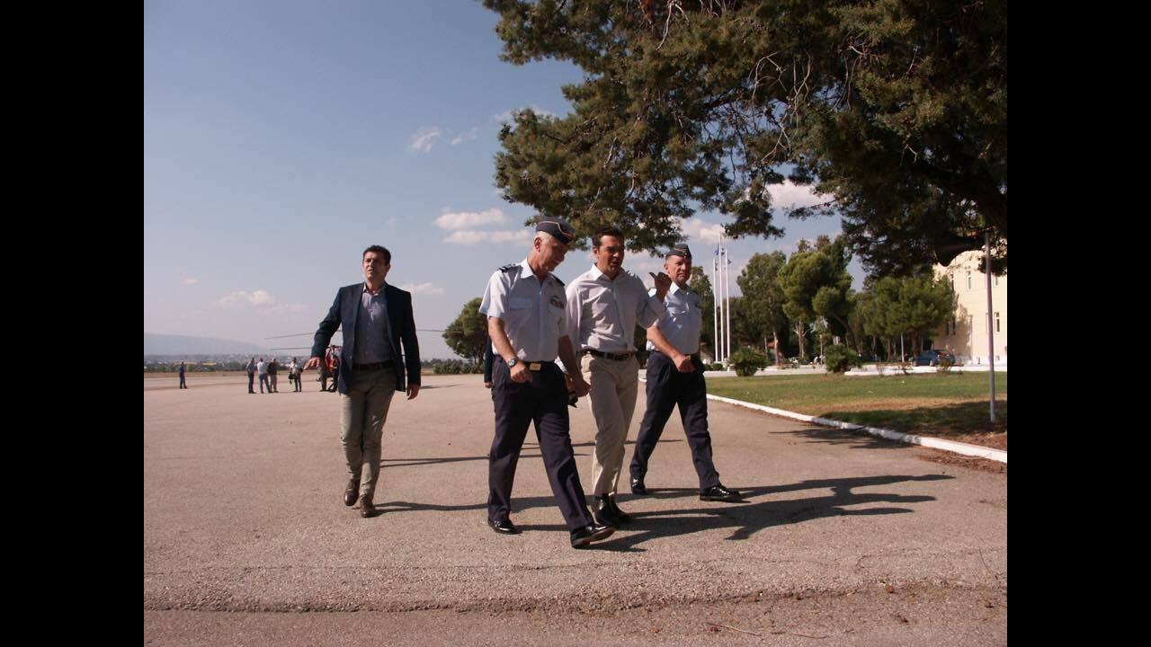https://cdn.cnngreece.gr/media/news/2017/08/16/93454/photos/snapshot/tsipras-3.jpg