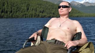 #PutinShirtlessChallenge: Η νέα μόδα που «σαρώνει» στη Ρωσία