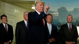 Ο Τραμπ αποφάσισε τη διάλυση δύο εκ των οικονομικών συμβουλίων του