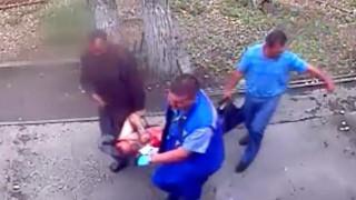 Το πλήρωσε ακριβά: Μεθυσμένος επιχείρησε να δώσει γάλα σε αρκούδα (Vid)