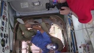 Οι αστροναύτες του ISS παρέλαβαν προμήθειες και λίγο... παγωτό
