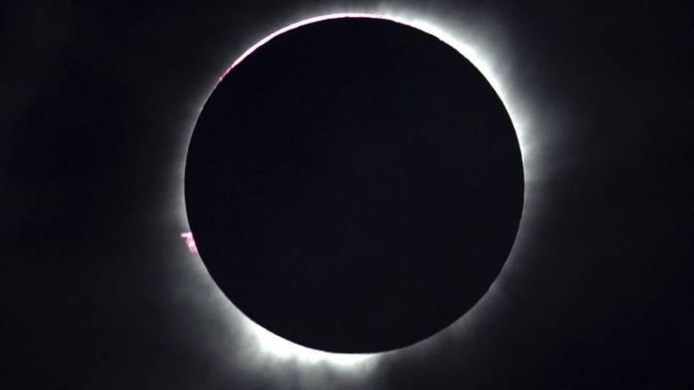 Φρενίτιδα στις ΗΠΑ για τη σπάνια ολική έκλειψη Ηλίου της 21ης Αυγούστου