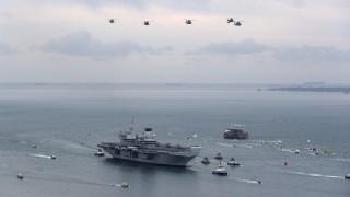 Πόρτσμουθ: Ενθουσιώδης υποδοχή στο «καμάρι» του βρετανικού στόλου
