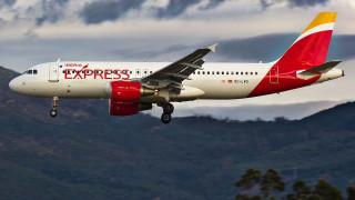 Ισπανία: Άλλες 955 θέσεις θα καταργήσει η Iberia