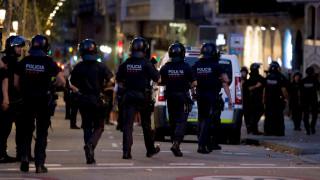 Βαρκελώνη: Ασύλληπτος παραμένει ο οδηγός του βαν