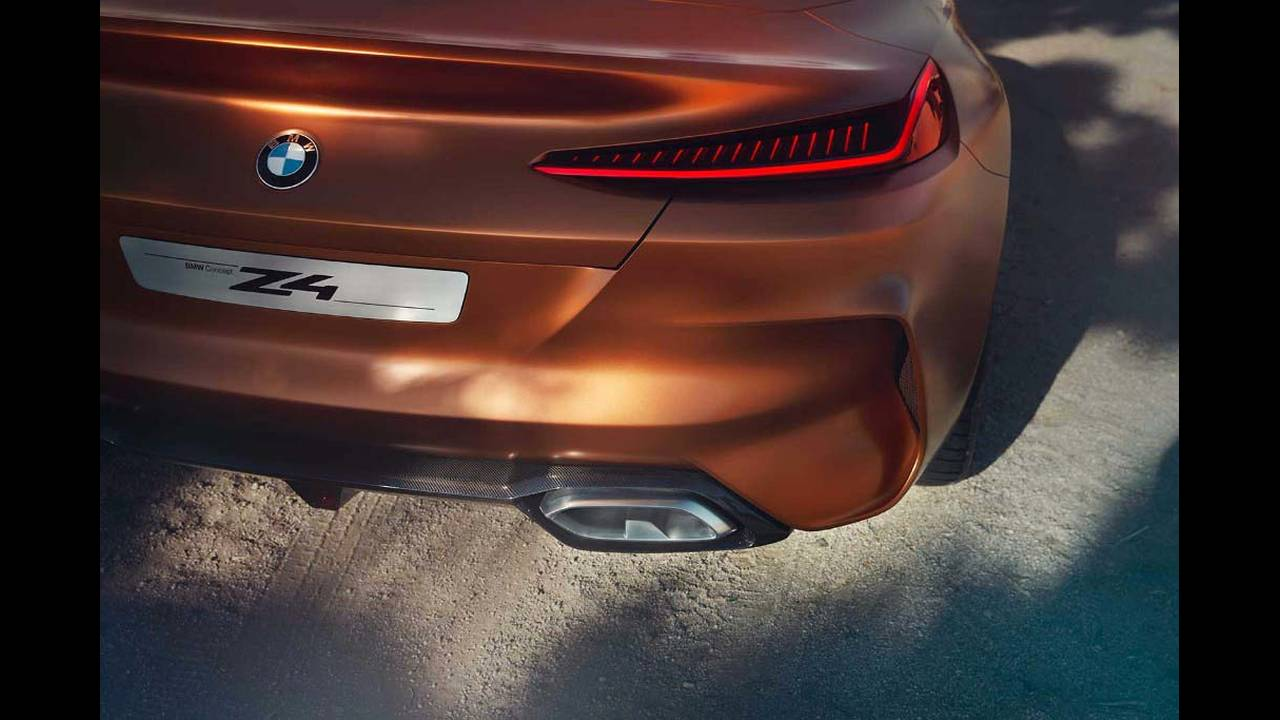 https://cdn.cnngreece.gr/media/news/2017/08/18/93693/photos/snapshot/BMW-Z4-Concept-19.jpg
