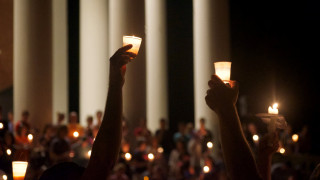 Η μητέρα της 32χρονης που σκοτώθηκε στο Σάρλοτσβιλ αρνείται να μιλήσει στον Τραμπ (vid)
