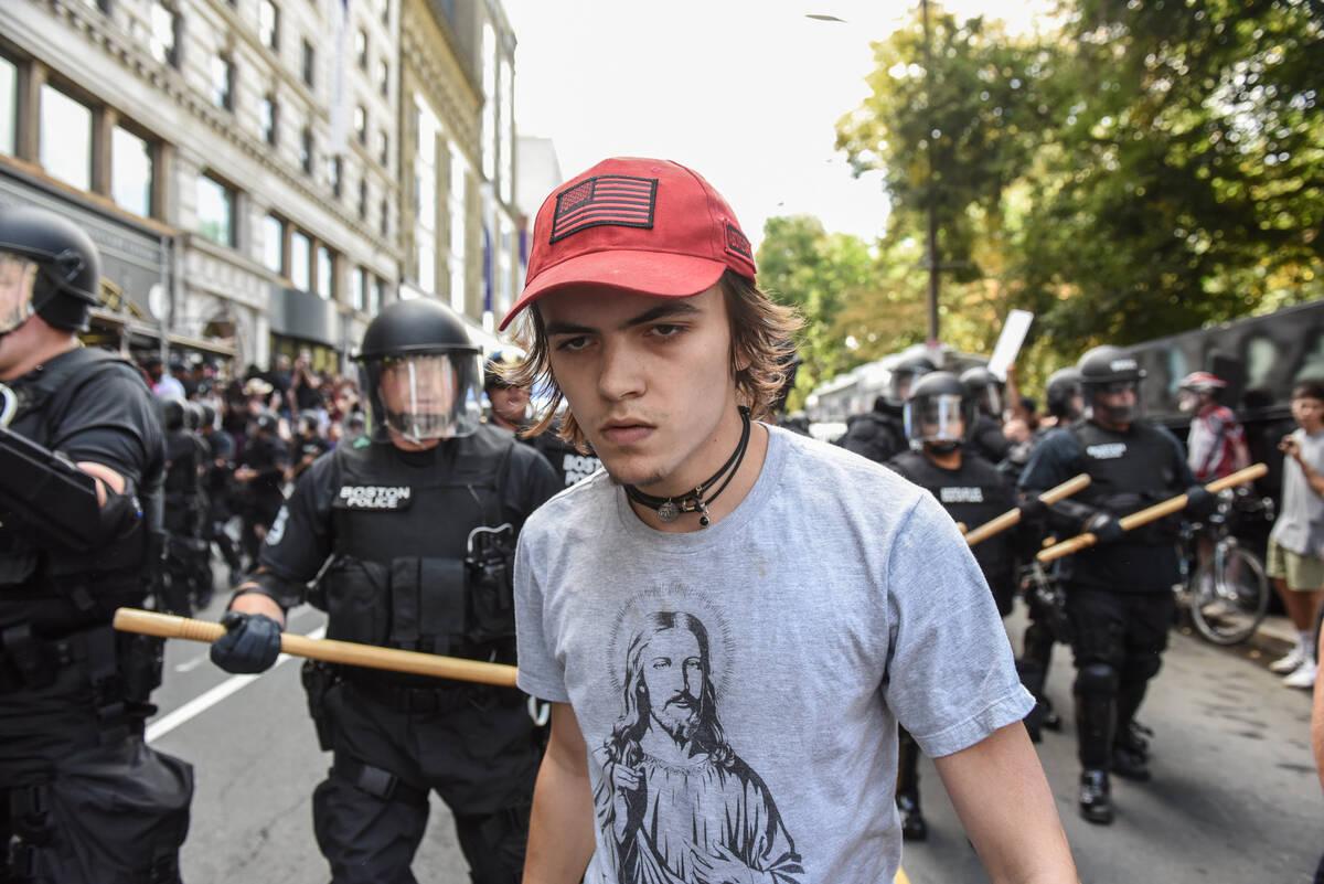 2017-08-19T184824Z 2058081359 RC168ACC6E20 RTRMADP 3 USA-PROTESTS
